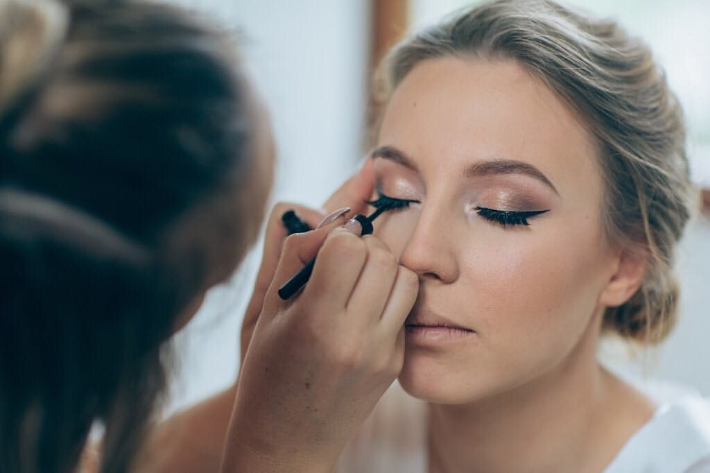 Wedding Makeup Artist Amber : Sallys Group Makeup Class - Classes / Workshops MyGui
